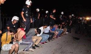 Persone arrestate come durante un colpo di Stato militare